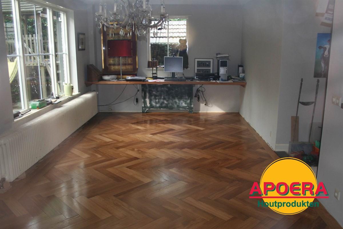 Visgraat Parket Leggen : Houten visgraat vloer leggen apoera vloeren en onderhoud