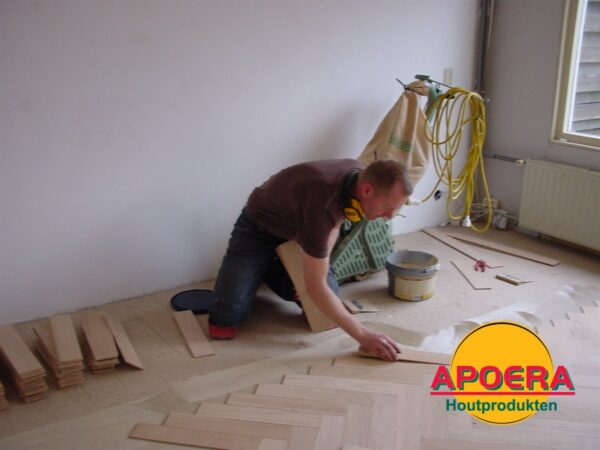 Houten vloer laten repareren