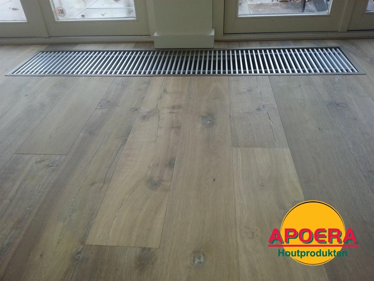 Houten vloer leggen woonkamer apoera vloeren en onderhoud