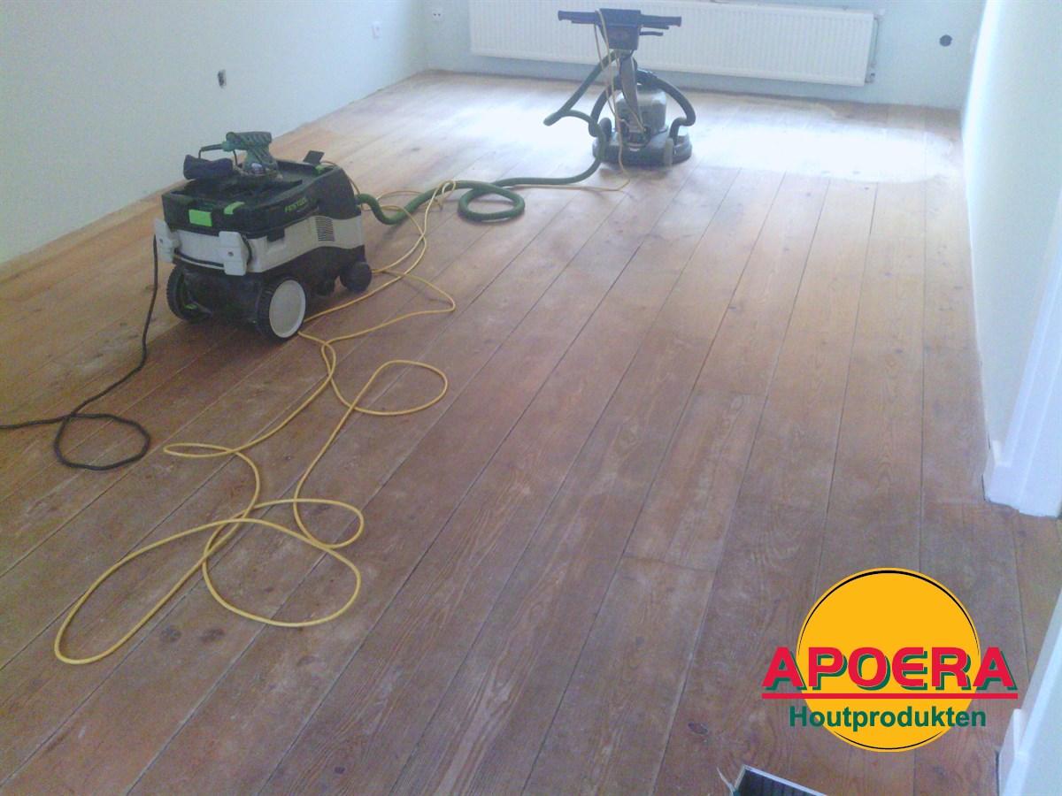 Houten vloer schuren en behandelen apoera vloeren en onderhoud
