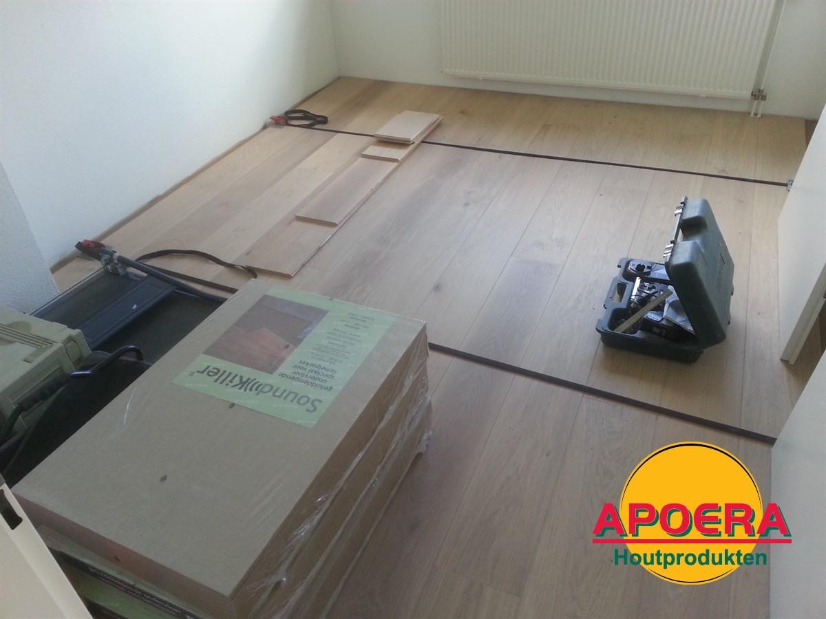 Houten vloer leggen met spanveren: werkt een massief eiken vloer nog