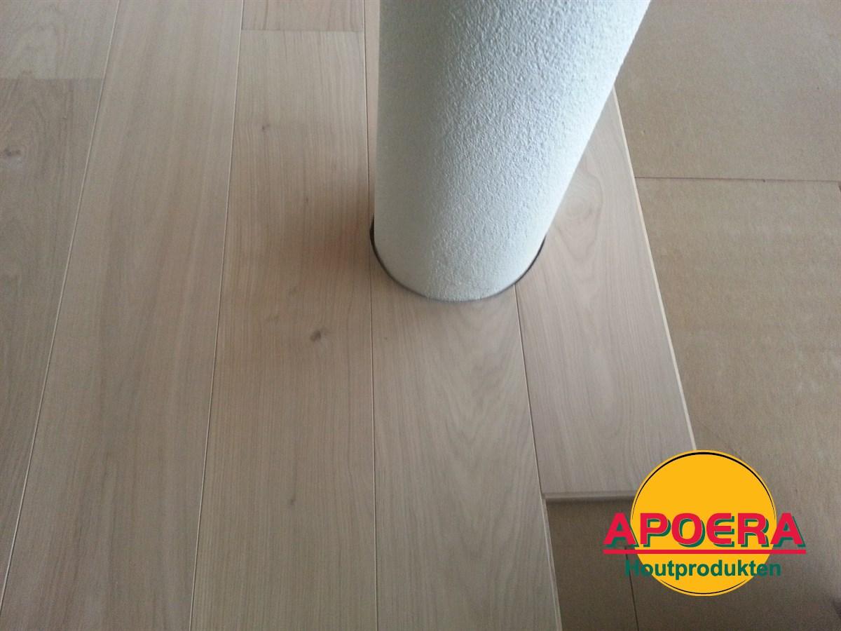 Houten vloer woonkamer leggen   APOERA   Vloeren en onderhoud